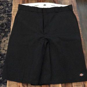 Dickies loose fit black shorts NWOT 40